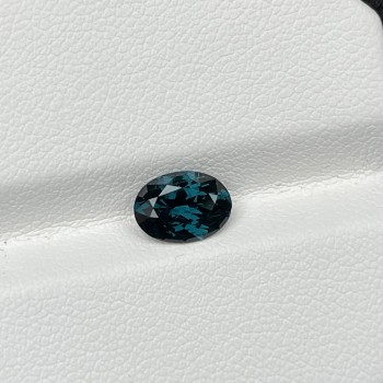 GREEN SPINEL OVAL