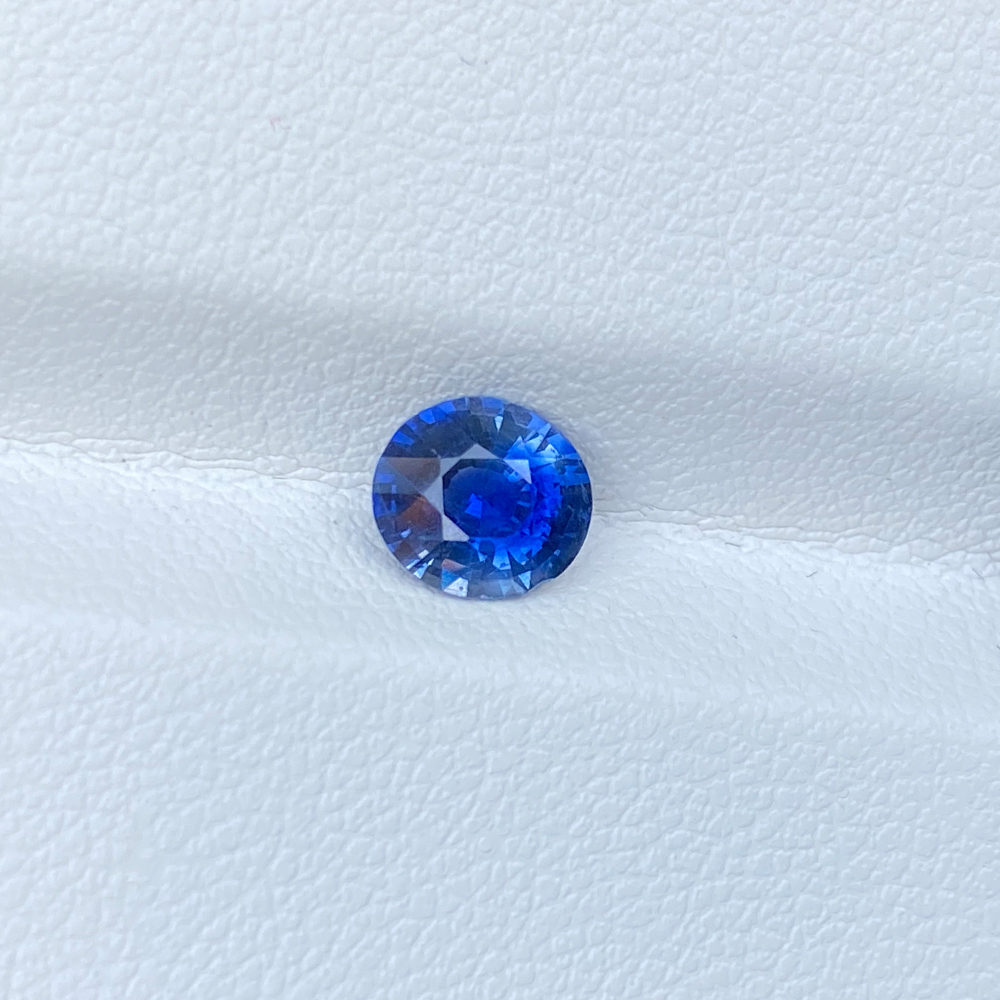 BLUE SAPPHIRE OVAL 0.99