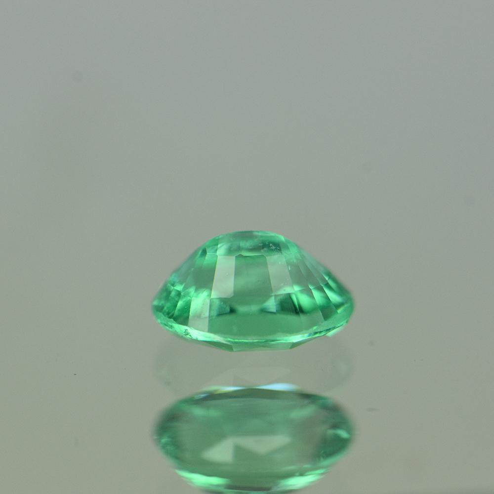 GREEN EMERALD  0.42CTS EMG189