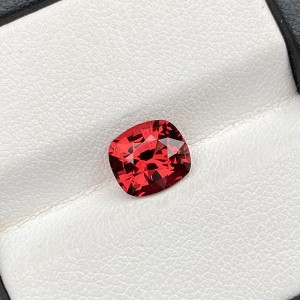 REDDISH ORANGE GARNET