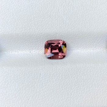 PEACH SPINEL 1.57 CTS