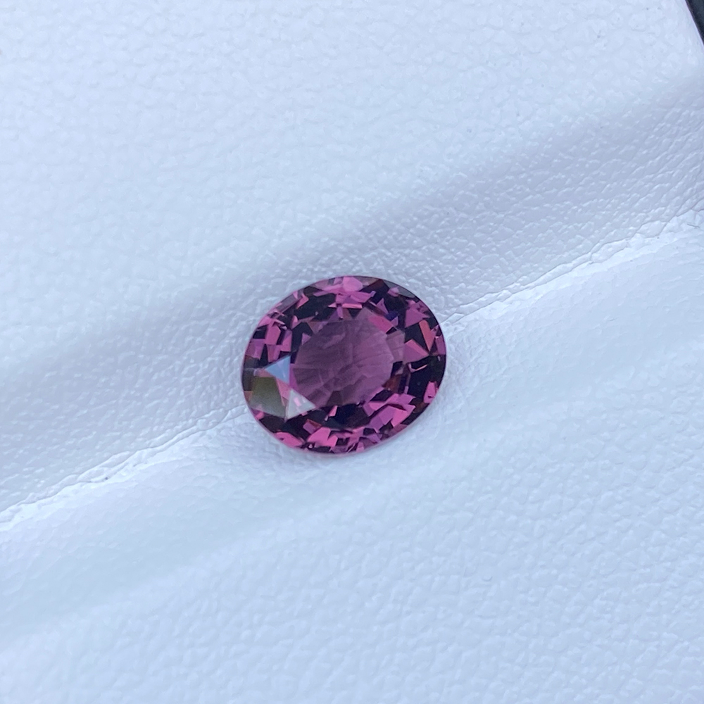 PURPLISH PINK 1.93 SPINEL