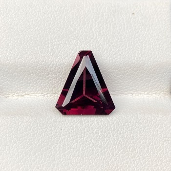 PINK SPINEL TRIANGLE 4.37