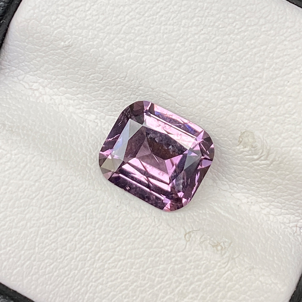 PINK SPINEL 2.20 CUSHION