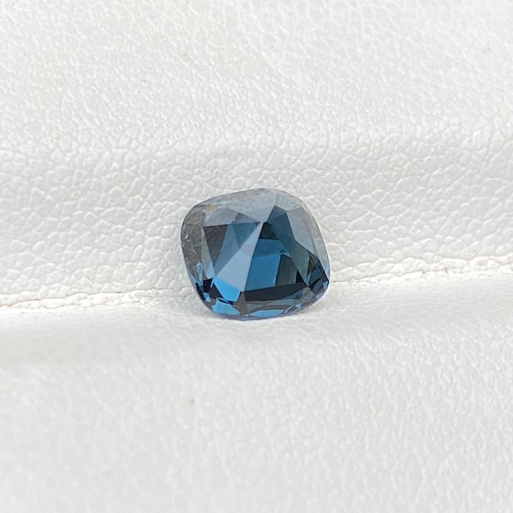 SPINEL BLUE SQUARE CUSHION