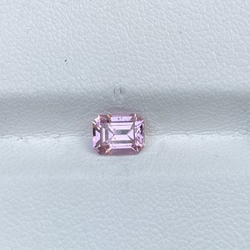 0.90 PINK SPINEL EMERALD