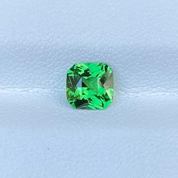 VIVID GREEN TSAVORITE 68449
