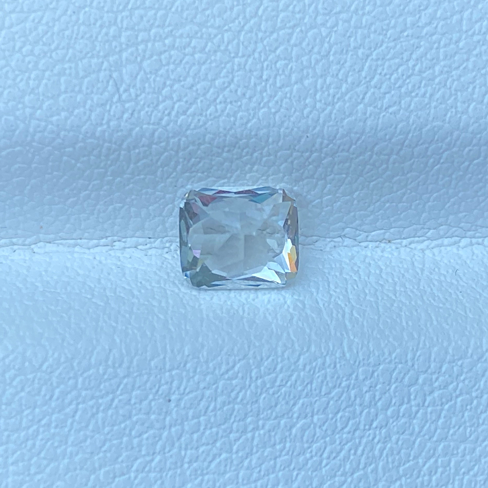 COLORLESS WHITE SAPPHIRE