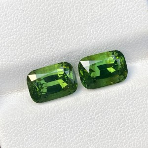 GREEN ZIRCON PAIR